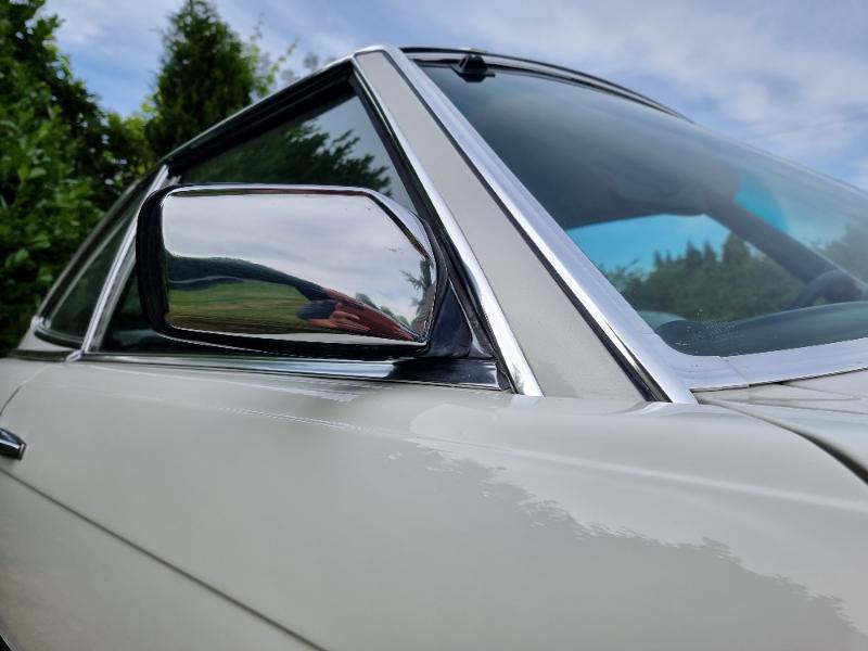 196560